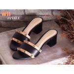 รองเท้าแฟชั่น ส้นสูง แบบสวม แต่งหมุดทองสวยเก๋สไตล์วาเลนติโน ส้นตัดสูงประมาณ 2.5 นิ้ว ทรงสวย เก็บหน้าเท้า ใส่สบาย แมทสวยได้ทุกชุด