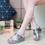 รองเท้าแตะแฟชั่น แบบสวม แต่งสายผ้าคาดเฉียงสวยเก๋ พื้นซอฟคอมฟอตนิ่มสไตล์ฟิตฟลอบ ใส่สบายมาก แมทสวยได้ทุกชุด (F1016)