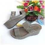 รองเท้าแฟชั่น ส้นเตารีด แบบสวม 2 ตอน แต่งอะไหล่จรเข้แต่งหมุดข้างสวยเก๋ ทรงสวยเก็บเท้า ใส่สบาย แมทสวยได้ทุกชุด