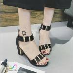 รองเท้าแฟชั่น แบบสวม งานนำเข้า วัสดุหนัง PU รัดข้อ แต่งอะไหล่สีทอง ซิปหลังใส่ง่าย ส้นหนา สูง 3 นิ้ว รองรับน้ำหนักได้ดี พื้นบุนวมนิ่ม แบบสวยใส่แล้วขาเรียว กระชับเท้า ใส่สบาย แมทสวยได้ทุกชุด สี ดำ ขาว (203)