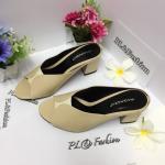 รองเท้าแฟชั่น ส้นสูง ดีไซน์สวยเรียบเก๋ เก็บหน้าเท้าเรียว หนังนิ่มอย่างดี ส้นตัดเดินง่าย สูงประมาณ 2.5 นิ้ว ใส่สบาย แมทสวยได้ทุกชุด