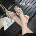 รองเท้าแฟชั่น แบบสวม แต่งหมุดหลากสีสวยเก๋ไม่เหมือนใคร ส้นประมาณ 1.5 นิ้ว ใส่สบาย ทรงสวย แมทสวยได้ทุกชุด