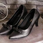 รองเท้าคัทชู ส้นเตี้ย ทรงหัวแหลม แต่งโบว์เรียบเก๋ดูดี หนังนิ่ม ทรงสวยส้นสูงประมาณ 2 นิ้ว ใส่สบาย แมทสวยได้ทุกชุด