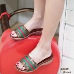 รองเท้าแฟชั่น แบบสวม ส้นเตารีด คาดหน้าแต่งลายสไตล์กุชชี่ ใส่สบาย ทรงสวย แมทสวยได้ทุกชุด (L2629)