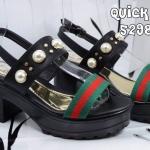 รองเท้าแฟชั่น ส้นสูง แบบสวม รัดส้น แต่งแถบสีประดับมุกหมุดทองสไตล์กุชชี่สวยหรู ทรงสวย พื้น PU ใส่สบาย แมทสวยได้ทุกชุด (5298-90)