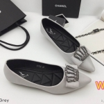 รองเท้าคัทชู ส้นแบน ทรงหัวแหลม แต่งอะไหล่มงกุฎเพชรสวยหรู หนังนิ่ม ทรงสวย ใส่สบาย แมทสวยได้ทุกชุด (K5032)