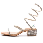 รองเท้าแฟชั่น เป๊ะปังเวอร์ งานนำเข้า ส้นเตี้ยแบบพันข้อแต่งเพชรสวยหรู ส้นหนา 2 นิ้ว เป็นสายพันข้อ ใส่ง่าย พื้นบุนวมนุ่มใส่สบาย งานสวยมาก สีน้ำตาล