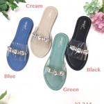 รองเท้าแตะแฟชั่น แบบสวม คาดหน้าพลาสติกใสนิ่มแต่งเพชรสวยหรู ใส่สบาย แมทสวยได้ทุกชุด (YI-214)