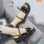 รองเท้าแฟชั่น แบบสวม ส้นมัฟฟิน รัดส้น แต่งดาวดีไซน์เก๋ดูดี ทรงสวย ใส่สบาย แมทสวยได้ทุกชุด (8288)