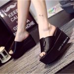 รองเท้าแฟชั่น ส้นเตารีด แบบสวม วัสดุหนัง PU นิ่ม ทรงสวยเก็บเท้า เรียบเก๋ดูดี ส้นสูง 3 นิ้ว น้ำหนักเบา เสริมหน้าเยอะใส่สบายมาก สีดำ ขาว