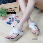 รองเท้าแตะแฟชั่น แบบหนีบ แต่งลายช่อดอกไม้สวยหวานน่ารัก พื้นซอฟคอมฟอตนิ่มสไตล์ฟิตฟลอบ ใส่สบายมาก แมทสวยได้ทุกชุด (F1007)