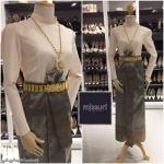 ชุดไทยประยุกต์ ชุดไทยร่วมสมัย เสื้อทรงบรมพิมาน ผ้าไหมอิตาลี คู่ผ้าถุงลายไทย ยกดอก
