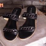 รองเท้าแตะแฟชั่น แบบสวม แต่งโซ่สุดเก๋ สไตล์จีวองชี พื้นบุนุ่ม ใส่สบายมาก แมทสวยได้ทุกชุด