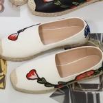 รองเท้าคัทชู ทรง slip on แต่งดอกไม้ปักด้านหข้าง ส้นแต่งโบว์ปักสวยหวานสไตล์กุชชี่ ทรงสวย ส้นแต่งเชือกถัก หนังนิ่ม ใส่สบาย แมทสวยได้ทุกชุด (GU581)