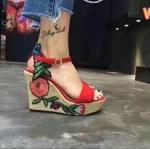 รองเท้าแฟชั่น ส้นเตารีด รัดส้น แบบสวม แต่งลายปักดอกไม้ข้างสวยเก๋สไตล์แบรนด์ ส้นแต่งเชือกถักเพิ่มความเก๋ลุควินเทจ ทรงสวย ส้นสูงประมาณ 5 นิ้ว เสริมหน้า ใส่สบาย แมทสวยได้ทุกชุด (GG6651)