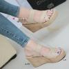 รองเท้าส้นเตารีดรัดส้น สายไขว้ กระชับเท้า [สีครีม ]