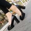 พร้อมส่ง รองเท้าคัทชูส้นสูงสีดำ ทรงสวยแฟชั่นเกาหลี แฟชั่นเกาหลี [สีดำ ]