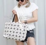 กระเป๋าสะพายแฟชั่น กระเป๋าสะพายข้างผู้หญิง Bao Bao 7*8 Logo [สีครีม ]