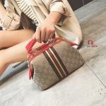 กระเป๋าสะพายแฟชั่น กระเป๋าสะพายข้างผู้หญิง Style Gucci วัสดุผ้าหนาปักดิ้นเงาเล่นแสง [สีแดง ]