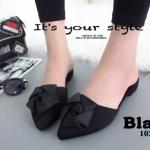 พร้อมส่ง รองเท้าส้นเตี้ยเปิดส้นสีดำ หัวแหลม แต่งกุหลาบ แฟชั่นเกาหลี [สีดำ ]