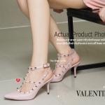 พร้อมส่ง รองเท้าส้นสูงรัดส้นสีชมพู VALENTINO Rockstud Heel Style แฟชั่นเกาหลี [สีชมพู ]