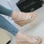 รองเท้าส้นเตารีดรัดส้น สายไขว้ กระชับเท้า [สีครีม ] thumbnail 4