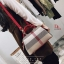 กระเป๋าแฟชั่นนำเข้า Style Burberry SZC-0001-RED (สีแดง) thumbnail 3