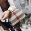 กระเป๋าถือ กระเป๋าสะพายข้างแฟชั่น นำเข้า Style Burberry [สีขาว ] thumbnail 1