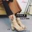 พร้อมส่ง รองเท้าส้นตันรัดข้อสีครีม ซิปหลัง สายคาดประดับมุก แฟชั่นเกาหลี [สีครีม ] thumbnail 2