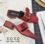 พร้อมส่ง รองเท้าส้นเตี้ยสีแดง แต่งหัวเข็มขัด แฟชั่นฮิตมากในเกาหลี แฟชั่นเกาหลี [สีแดง ] thumbnail 2