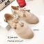 พร้อมส่ง รองเท้าส้นแบนแฟชั่นสีครีม หนังฉลุลาย สายคาดแบบT-Strap แฟชั่นเกาหลี [สีครีม ] thumbnail 1