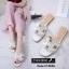 พร้อมส่ง รองเท้าแตะผู้หญิงสีขาว แบบสวม สายหนังเจาะ แฟชั่นเกาหลี [สีขาว ] thumbnail 1