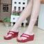 รองเท้าแตะส้นเตารีด แบบคีบ สไตล์ลำลอง พื้นนิ่มเวอร์ [สีแดง ] thumbnail 1